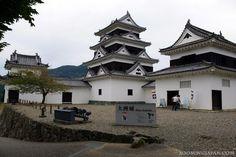 "Today is ""Castle Day"" (4/6 = shi - ro: shiro, 城 = castle)!! ;)  Photo: Ozu Castle (Ehime Prefecture, Shikoku): http://zoomingjapan.com/travel/ozu-castle/  Great Japanese Castles You Just Have to Visit: http://zoomingjapan.com/travel/top-japanese-castles/"