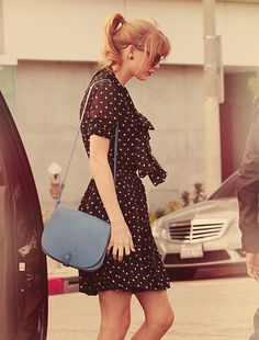 I love Taylor Swift's style so much.