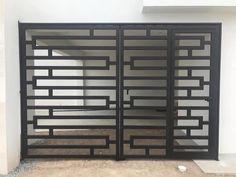 Steel Gate Design, Iron Gate Design, House Main Gates Design, Casa Patio, Gate Ideas, Wrought Iron Gates, Bookcase, Shelves, Windows