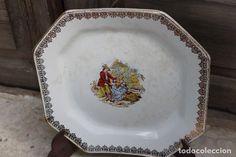 Antiguo plato o fuente ochavada de porcelana Pickman con escena romántica