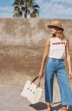 Relaxing Wide Leg Jeans Ideas That Trending On Summer 2019 15 Summer Pants Outfits, Jean Outfits, Casual Outfits, Denim Culottes Outfits, Outfit Jeans, Jeans Pants, Cropped Wide Leg Jeans, Wide Leg Pants, Mode Inspiration