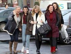 Perrie, her mum, and Zayn's mum and sisters shopping yesterday.