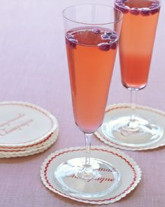 Cozy cocktails for fall weddings- Pomegranate Champagne