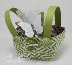 Wickedly Wonderful Creations: Springtime and Easter Baskets!  Tutorial on website