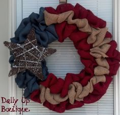 Image from http://happy4thofjulypictures.com/wp-content/images/2015/06/4th-Of-July-Burlap-Wreath-2.jpg.