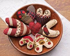 Primitive Folk Art Quilt Pattern - Gathering Hearts Pattern