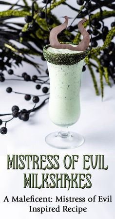 Inspired by the release of Maleficent: Mistress of Evil, The Geeks have created a recipe for a deliciously dark dessert called Mistress of Evil Milkshakes. Disney Drinks, Disney Desserts, Disney Food, Disney Recipes, Disney Snacks, Frozen Drinks, Disney Stuff, Drinks Alcohol Recipes, Yummy Drinks