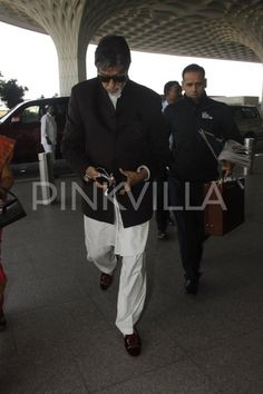 Big B, Karan, Aditya, Saif: A bevy of handsome men add stardust to the airport!