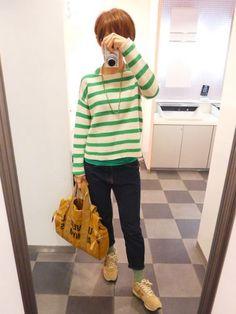 ネイビー、グリーン、マスタードの3色コーデ。  Jacket/GAPMENS Knit/GAP Bottoms/GAPMENS Bag/HEMING'S ORNE Shoes/NB  It is three color coordinates of camel and green and navy.  今日はメンズ服オンパレード