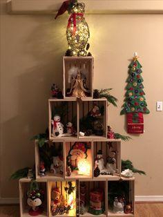 Christmas Tree Angel, Christmas Mood, Christmas Lights, Christmas Crafts, Christmas Decorations, Christmas Ornaments, Holiday Decor, Wooden Crates Christmas, Christmas Photography