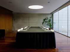 BIG lamp fits also for meeting rooms