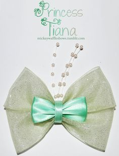 Princess Tiana hair bow by Mickey Waffles Bows on Etsy Diy Ribbon, Ribbon Hair, Fabric Ribbon, Ribbon Bows, Ribbons, Disney Diy, Disney Crafts, Broches Disney, Princesa Tiana