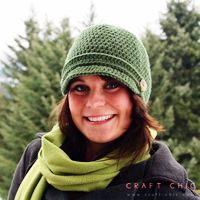Winter is not my favorite season of the year, but at least I get to wear some cute hats… and this basic newsboy design is one of my favorites. It's simple, with a touch of charm …