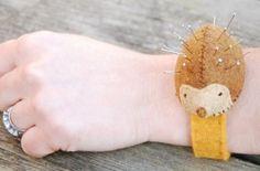 Wrist Pin Cushion Kit - Hedgehog