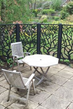 Our lovely clients have sent us photos of their completed garden screens. Don't they look great? 😍 The border is now planted up too & we can't wait to see how it looks when the flowers are in bloom. They'll create such a lovely picture against the screens. 🌺🌼🌸 Screen design: Cold Branch 🇬🇧 Free UK Delivery Metal Garden Screens, Garden Screening, Decorative Screens, Small Garden Design, Screen Design, Outdoor Furniture Sets, Outdoor Decor, Bloom, Cold
