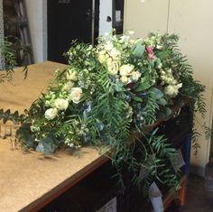 F50 Casket Flowers, Casket Sprays, How To Memorize Things, Floral Wreath, Wreaths, Plants, Beautiful, Home Decor, Decoration Home