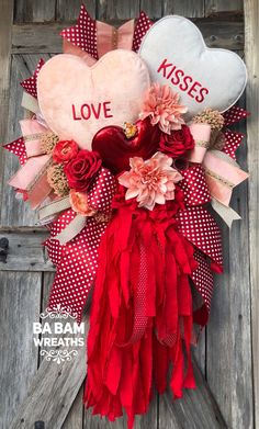 42 Astonishing Valentines Day Decoration Ideas For Front Door - The history of St. Valentine's Day may depend on the historian varying from tales of noble Christian martyrdom to a romantic and timeless love story. Valentines Day Greetings, Valentine Day Wreaths, Valentines Day Decorations, Valentine Day Crafts, Holiday Wreaths, Holiday Decor, Mesh Wreaths, Valentines Bricolage, Heart Decorations