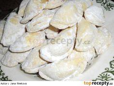 Žabí huby 28dkg hladké mouky, 28 dkg rostlinného tuku, 1 lžíce octa, 1lžíce rumu, 2 žloutky - z těsta vykrojím velká kolečka, která naplním trochou pikantní marmelády. Kolečka přehnu napůl a utlačím okraje. Snack Recipes, Dessert Recipes, Snacks, Desserts, Christmas Cookies, Stuffed Mushrooms, Food And Drink, Chips, Bread