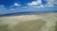 Playa Karmairi: un espacio de paz y tranquilidad para disfrutar de la arena y el mar.