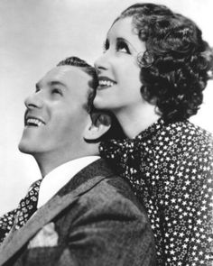 George Burns & Gracie Allen, Old Radio Stars. Hooray For Hollywood, Golden Age Of Hollywood, Vintage Hollywood, Classic Hollywood, Vintage Tv, George Burns, Tru Love, Old Time Radio, Hollywood Actor