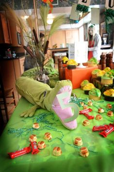 Snakes, lizards, alligators, Reptiles Birthday Party Ideas | Photo 1 of 23 | Catch My Party