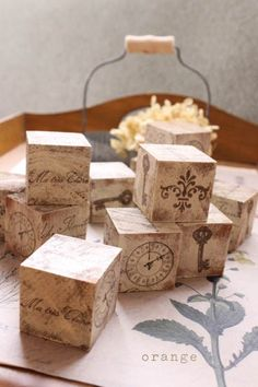 wood cube paint Wood Crafts, Diy And Crafts, Pallet Crates, Wood Candle Holders, Art Decor, Decoration, Recycled Furniture, Wooden Blocks, Bottle Crafts