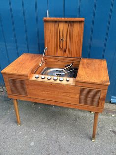 A personal favourite from my Etsy shop https://www.etsy.com/uk/listing/251727509/1960s-hmv-stereogram-vintage-retro