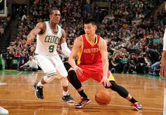 Jeremy Lin drives past Rajon Rondo
