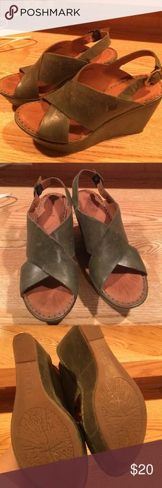 facfd3c6e61e Green wedges--fantastic shoes These hunter green wedges from Born are in  excellent condition