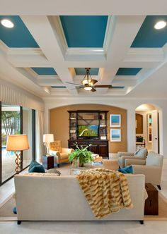31 Elegant Traditional Living Room Designs For Everyday Enjoyment. ABSOLUTELY LOVE THIS CEILING :)