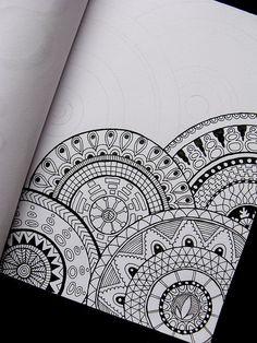 Doodle art - 40 Beautiful Mandala Drawing Ideas & How To – Doodle art Doodles Zentangles, Zentangle Drawings, Doodle Drawings, Henna Drawings, Easy Zentangle, Mandalas Painting, Mandalas Drawing, Easy Mandala Drawing, Watercolor Mandala