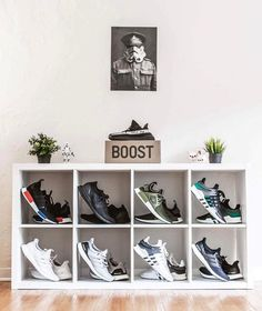 Sneakers & Posters are our biggest passion here at artliv    #nordicinspiration #nordichome #homeinterior #interior #interiordesign #interior123  #hypeaf #streetbeast #streetstylegermany #bloggerinspo #streetstyleinspo #streetcentral #strassenmodekultur #povoutfit #blvckxculture #outfitplace #blkvis #hypebeaststyle #outfitfromabove #simplefits #pauseshots #bestfitsdaily #outfittoss #bestofstreetwear #hypedstreets  #streatwearde #sneakerhead #blkvis #kixify #sneakerfile #hsstyle #vbg