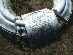 Lloyd Binford's Grave in Elmwood