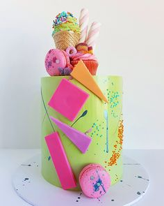 These candy-covered wedding cakes are adorned with sweet treats such as chocolate, jellies gumballs, lollipops and more. Cheesecake Wedding Cake, Vegan Wedding Cake, Wedding Cakes, Candy Birthday Cakes, Candy Cakes, Cupcake Cakes, Beautiful Cakes, Amazing Cakes, Beautiful Birthday Cakes