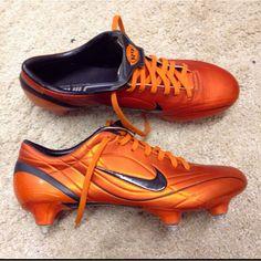 sports shoes 5c3f3 1fea1 Nike Mercurial Vapor II R9 Orange Blaze