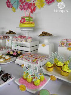 Dimequesi 's Birthday / Flamingos - Photo Gallery at Catch My Party Flamingo Birthday, Girl Birthday, Birthday Parties, Flamingo Photo, Minnie, Table Decorations, Party Ideas, Dessert Tables, Desserts