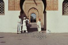 Königlicher Palast in Rabat, 1962 Czychowski/Timeline Images #1960 #60er #60s #Marokko #Morocco #Paläste #Wache #Wachen #Schloss #Palace #Palais #Tor #Eingang #Torbogen