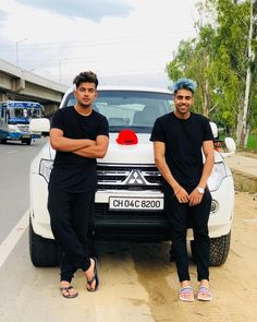 Singer Jass Manak Latest Pictures, Images And Photos- Wallpapers Collection Cute Boy Photo, Photo Poses For Boy, Boy Poses, New Images Hd, Punjabi Boys, Most Handsome Actors, Swag Boys, Photography Poses For Men, Boys Dpz