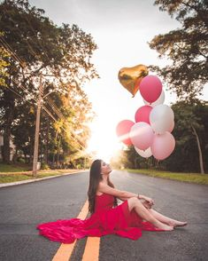Balloons Photography, Portrait Photography Poses, Creative Photography, Portraits, Debut Photoshoot, Birthday Photoshoot Ideas, Cute Birthday Pictures, Birthday Party Photography, Wow Photo
