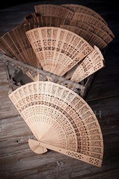 Βεντάλια ξύλινη δαντέλα για γάμο