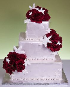 Winter Wedding Cakes Ideas for Wedding Cakes, Winter Wedding Last Modified on Describe Marriage is a big day for each person re Christmas Wedding Cakes, Wedding Cake Red, Beautiful Wedding Cakes, Beautiful Cakes, Wedding Cupcakes, Pretty Cakes, Christmas Themes, Amazing Cakes, Red And White Weddings