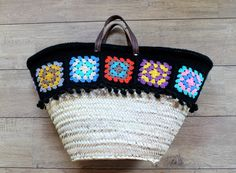 crochet beach basket par hooknhula sur Etsy