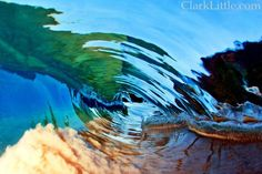 Clark Little started making photos of the famous surfers of Hawaii. The rolling waves. But sometimes he timed wrong, but got a lovely photo of a wave crashing on the beach. Big Waves, Ocean Waves, Hawaii Waves, Clark Little Photography, Develop Pictures, Waves Photography, Digital Photography, Landscape Photography, Crashing Waves
