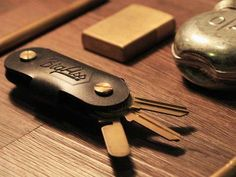 "Italian Leather ""Big-Ass"" Pocket Key Organizer  8ee471018e98d11d49377c5792e567d2eb17d363 main hero image"