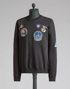 DOLCE & GABBANA Cotton Sweatshirt With Embroidered Patches. #dolcegabbana #cloth #