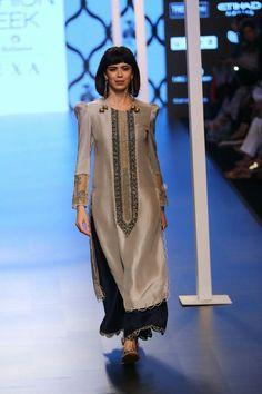 Payal Singhal at Lakmé Fashion Week summer/resort 2018 Pakistani Dresses, Indian Dresses, Indian Outfits, Modest Fashion, Women's Fashion Dresses, Sexy Dresses, Fashion Fashion, Summer Dresses, India Fashion Week