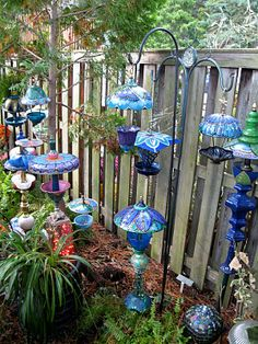 23 Amazing Whimsical Garden Ideas 42 Amazing Whimsical Garden Ideas 39 Donna S Art at Mourning Dove Cottage Whimsical Garden Lamps and Bird Feeders 4 Garden Whimsy, Diy Garden, Garden Crafts, Garden Projects, Garden Junk, Garden Path, Upcycled Garden, Garden Arches, Wooden Garden