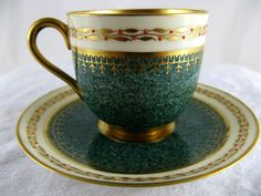 A Superb Christmas 1932 Antique Royal Worcester Porcelain Coffee Cup Can Saucer