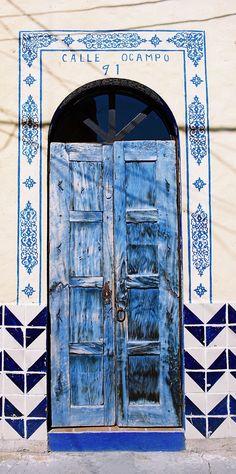 Blue - door - porta - azul - Ocampo, in Ajijic, Jalisco, Mexico door