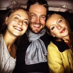 Arrow cast - Willa Holland, Stephen Amell, Katie Cassidy this is the best picture. (^O^)